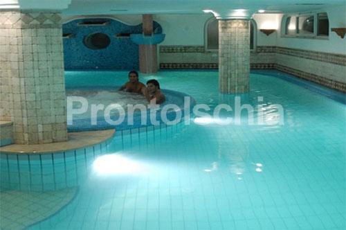 Hotel terme tritone forio recensioni e offerte isola d 39 ischia - Fabbisogno termico piscina coperta ...