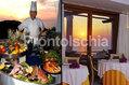Albergo San Montano - Angolo della sala ristorante e prelibatezze tipiche