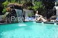 Hotel La Floridiana - La piscina esterna con cascata cervicale