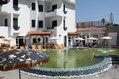 Hotel Park Victoria - La piscina termale esterna con solarium attrezzato