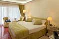 Junior Suite di circa 30 mq con balcone vista mare situate nel corpo principale dell'hotel.