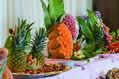 Decorazioni con frutta e verdure.