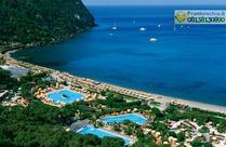 La splendida baia di Citara e i Giardini Poseidon vista dalle terrazze dell'Hotel.