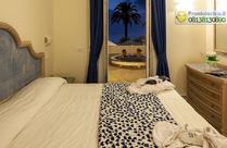 Suite il Faro con terrazza panoramica di circa 60 mq con vasca Jacuzzi privata.