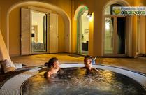 Un romantico bagno rilassante al profumo di mare nella Suite Il Faro.