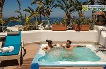 Vasca Jacuzzi privata sulla terrazza della Suite Poseidone.