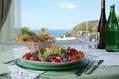 Cucina mediterranea con prodotti tipici.