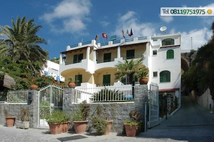 Esterno del Hotel Villa Bina