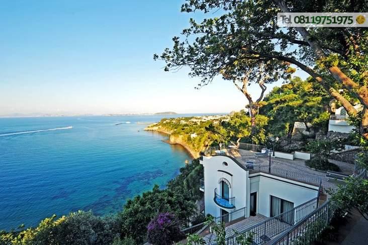 Le terrazze panoramiche, vista golfo di Napoli.