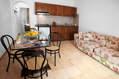 Zona soggiorno/cucina bilocale C.
