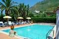 La piscina acqua naturale riscaldata da 28 a  35�.